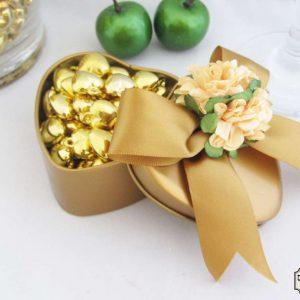 לב זהב ממתכת - מזכרת לאורחים באירועמזכרת לאורחים בחתונה מזכרת לאורחים בשבת חתן מזכרת לאורחים בבת מצווה מזכרת לאורחים בבריתה