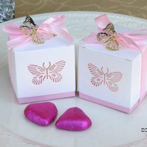קופסת ריבוע עם פרפרים -מזכרת לאורחים בבריתה מזכרות לאורחים בבריתה מתנה לאורחים בבריתה